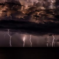 cloud to ground lightning strikes at night